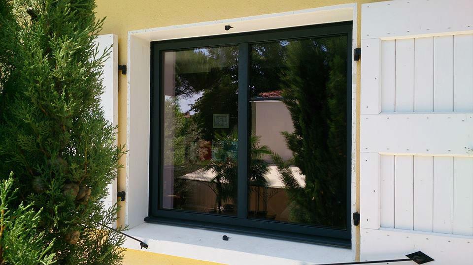 pose de fenêtres en aluminium