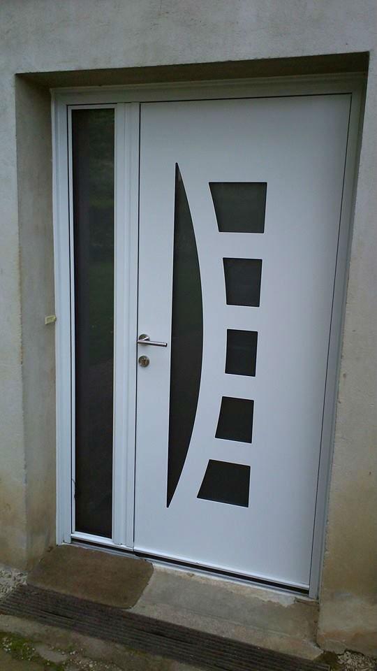 Pose portes d 39 entr e constructions neuves et chantiers for Porte appartement standard