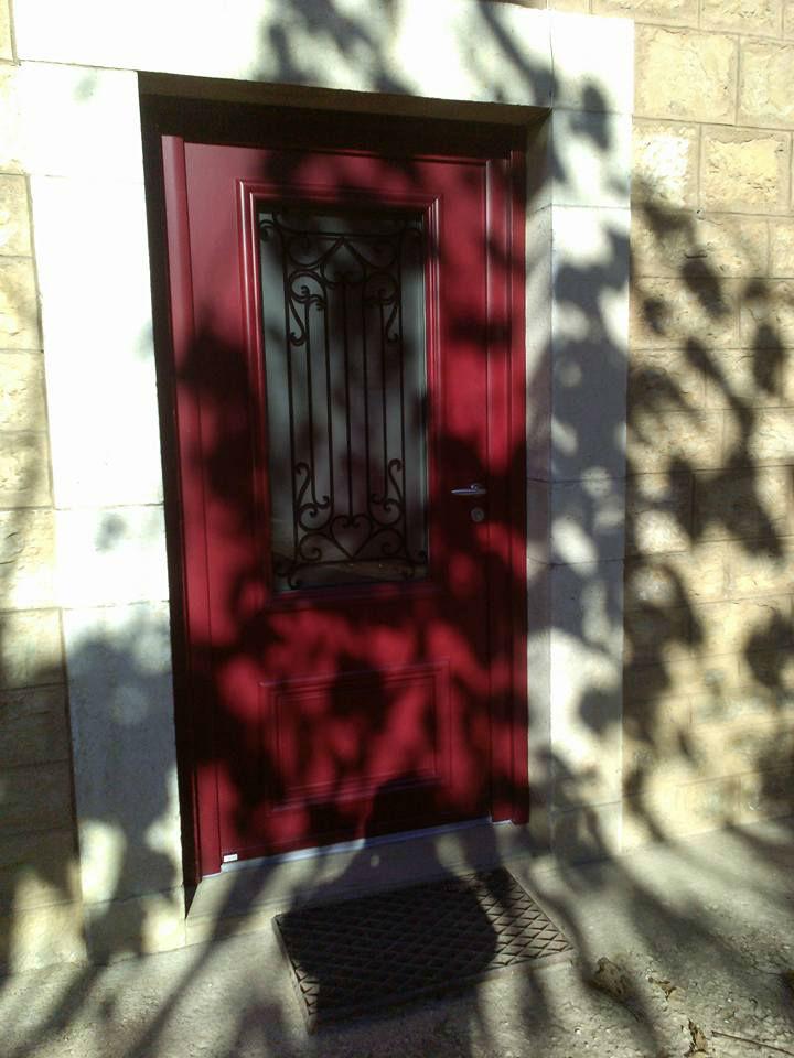 Pose portes d 39 entr e constructions neuves et chantiers for Porte entree 60