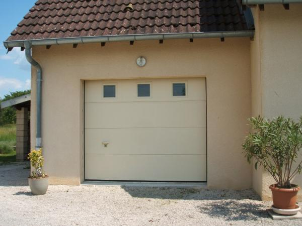 Menuisier ARTEBA Pose De Portes Dentrée Et Portes De Garage - Porte de garage sectionnelle avec portes d entree pvc