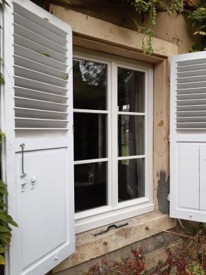 Remplacement fenêtre Monument de France