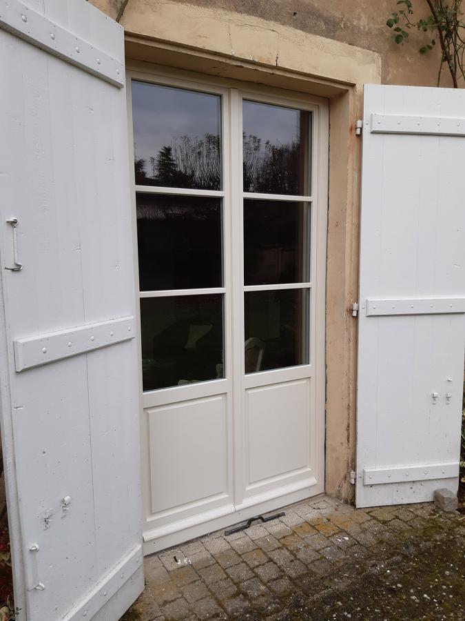 Porte-fenêtre bois